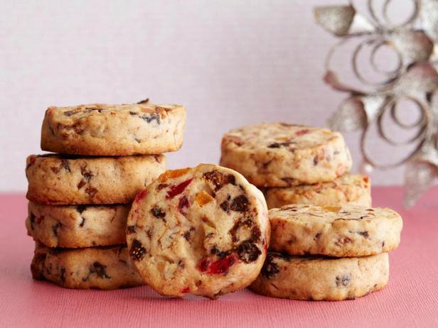Фотография блюда - Бисквитное печенье с сухофруктами