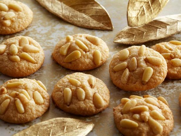 Фотография блюда - «Пиньоли» итальянское печенье с кедровыми орехами