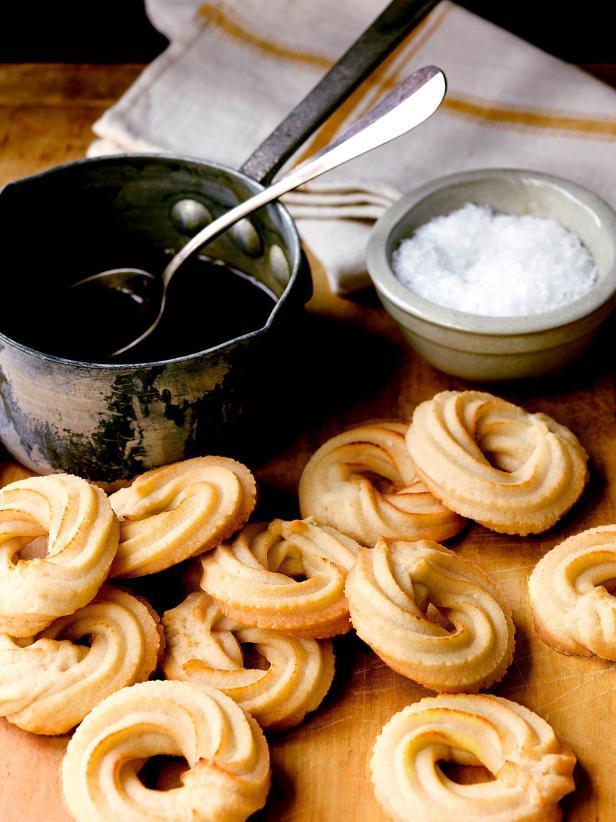 Фотография блюда - Тараллуччи с солёной карамелью
