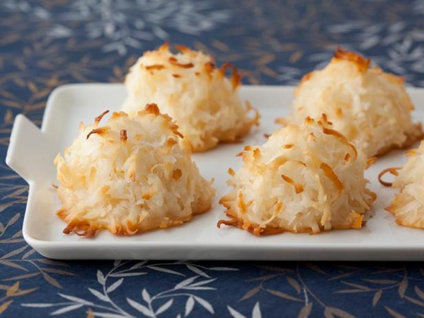 Фотография блюда - Кокосовые макаруны