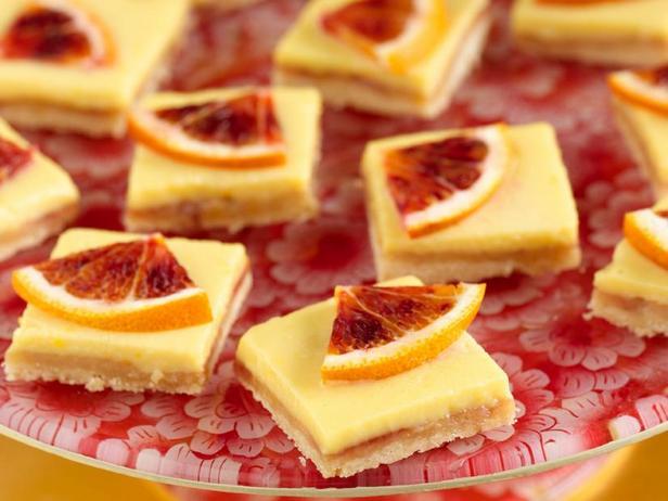 Фотография блюда - Пирожное Лимонная плитка с клементинами