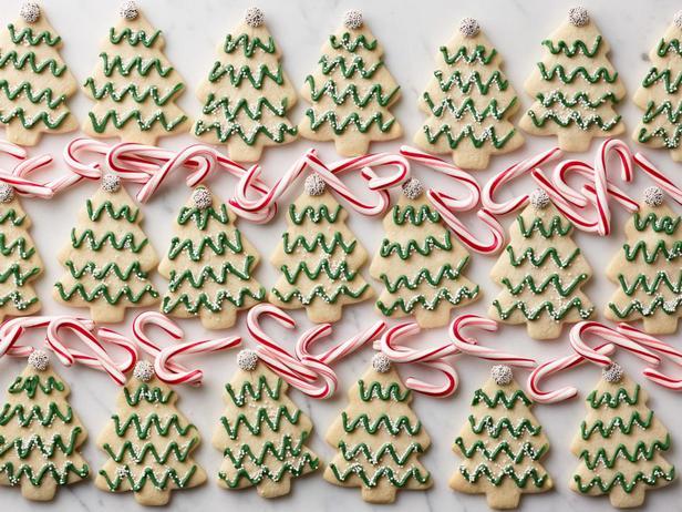 Фотография блюда - Новогодняя елочка из мятного печенья с глазурью