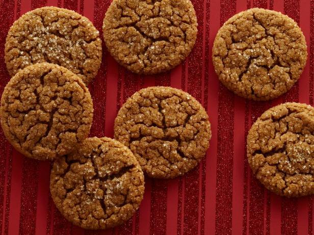 Фотография блюда - Классическое имбирное печенье «Кринкл»