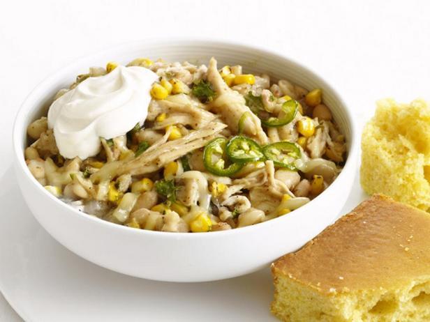 Фотография блюда - Тушеный цыпленок чили с фасолью и кукурузой