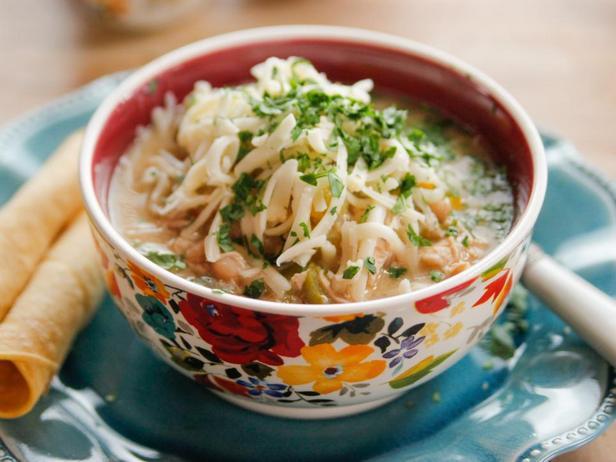 Фотография блюда - Белый чили с курицей в мультиварке