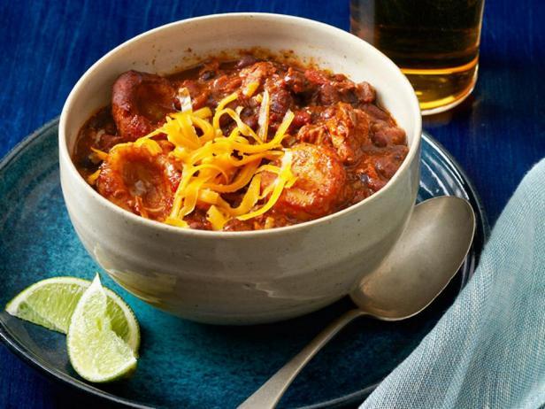 Фотография блюда - Чили со свининой и кукурузными клецками