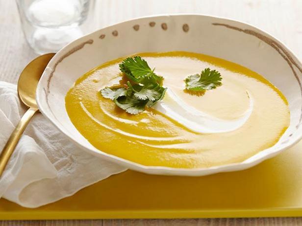 Фото Охлаждённый морковный суп