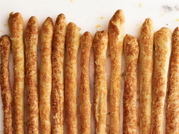 Фото Хлебные палочки с пармезаном