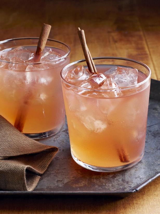 Фотография - Яблочный коктейль «Эпплджек»