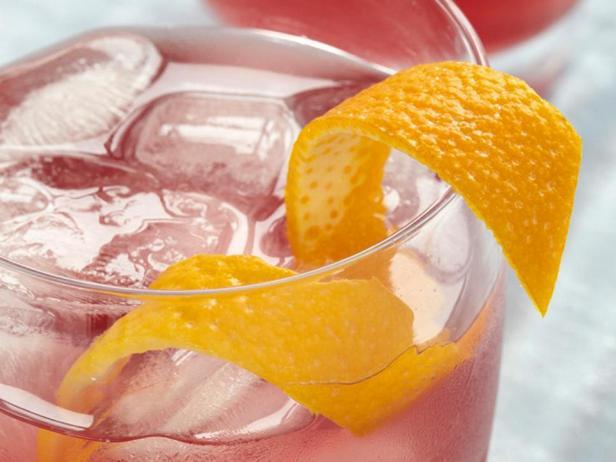 Фотография - Тонизирующий апельсиново-смородиновый коктейль