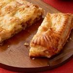 Слойка с сыром и колбасой