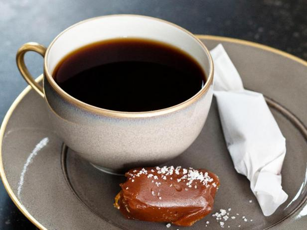 Фотография блюда - Ириски с солью Флер-де-Сель