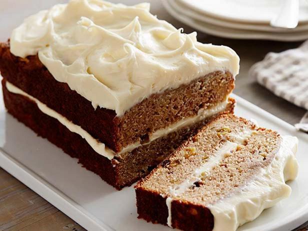 Фотография блюда - Пряный яблочный кекс с кремом из сливочного сыра