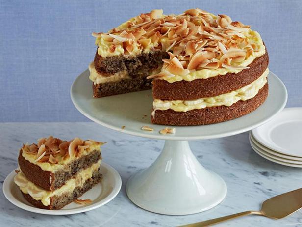 Фотография блюда - Бананово-кокосовый торт с заварным кремом