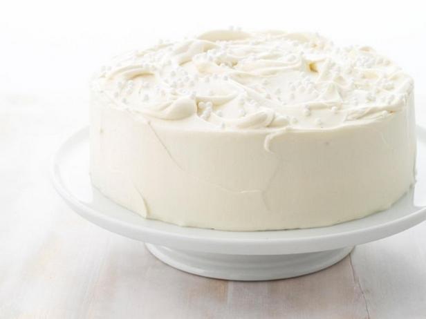 Фотография блюда - Миндальный торт с белой шоколадной глазурью