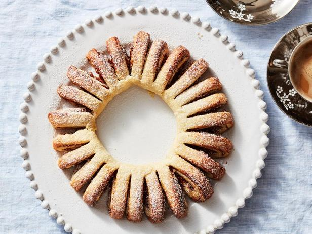Фотография блюда - Малиново-инжирное отрывное печенье