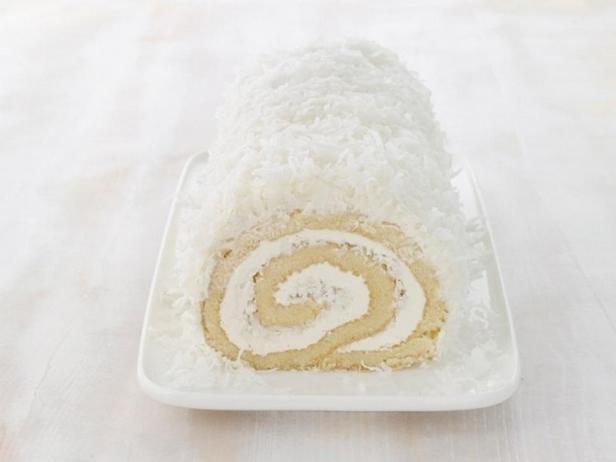Фотография блюда - Кокосовый рулет с масляно-ромовым кремом