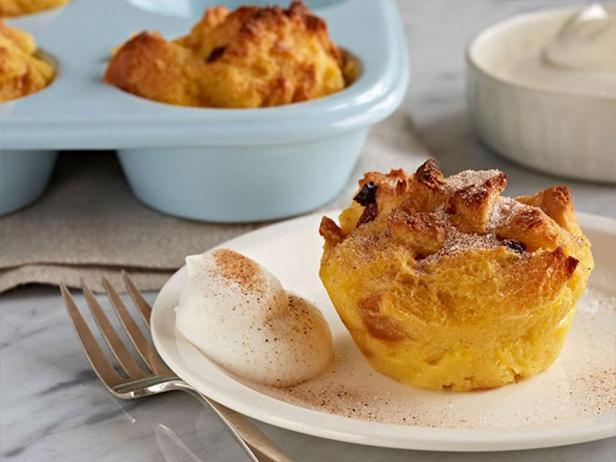 Фотография блюда - Хлебный пудинг из панеттоне в креме Эгг-ног