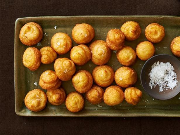 Фото Воздушные пончики из картофельного пюре