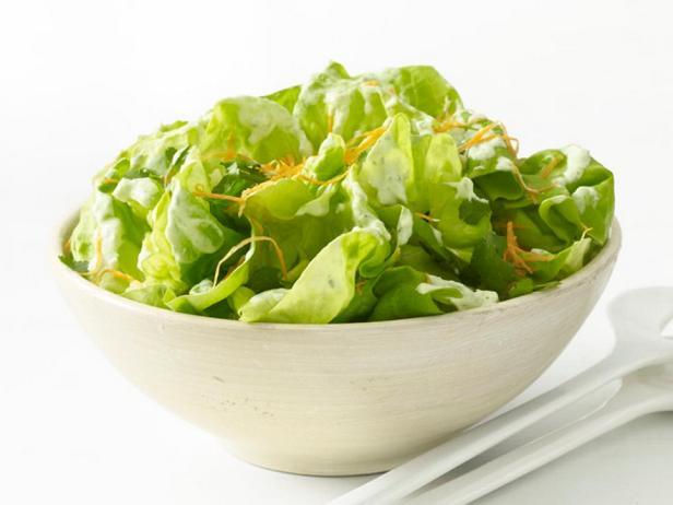Бостонский салат с кисломолочной заправкой