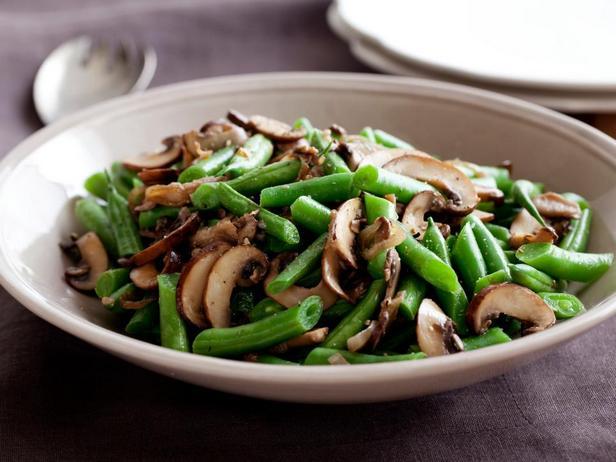 Зелёная фасоль с грибами и луком-шалот