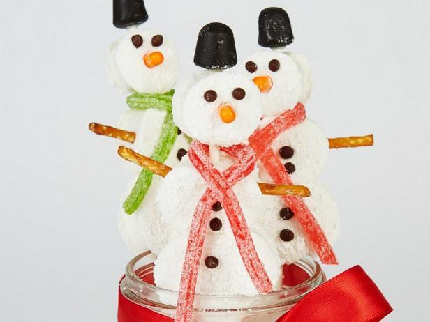 Снеговики из мятного маршмэллоу