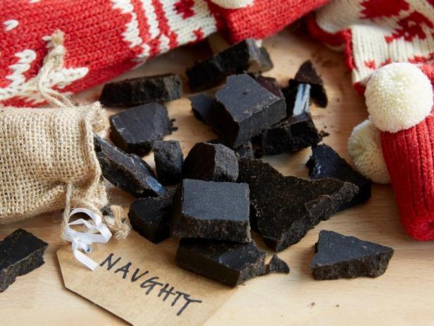 Рождественские конфеты уголь