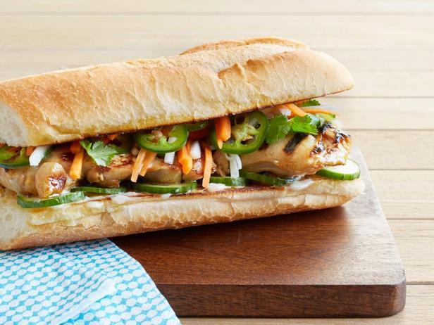 Сэндвичи с курицей по-вьетнамски на гриле