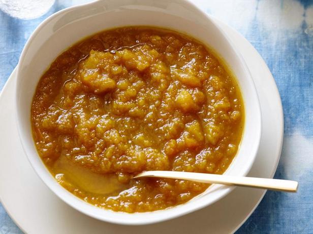 Тыквенный суп с яблоком и карри