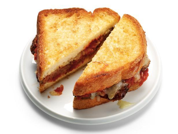 18. Горячие сырные сэндвичи с фрикадельками