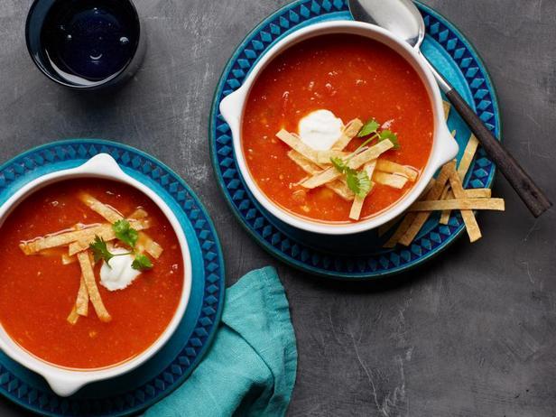 Фото Томатный суп-тортилья