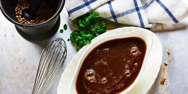Фото Эспаньол: базовый коричневый соус