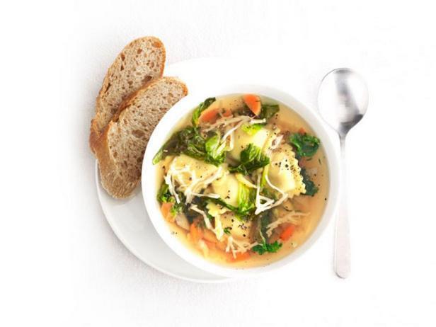 Овощной суп с равиоли