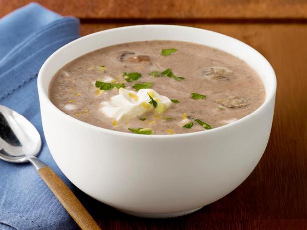 Грибной суп с хумусом