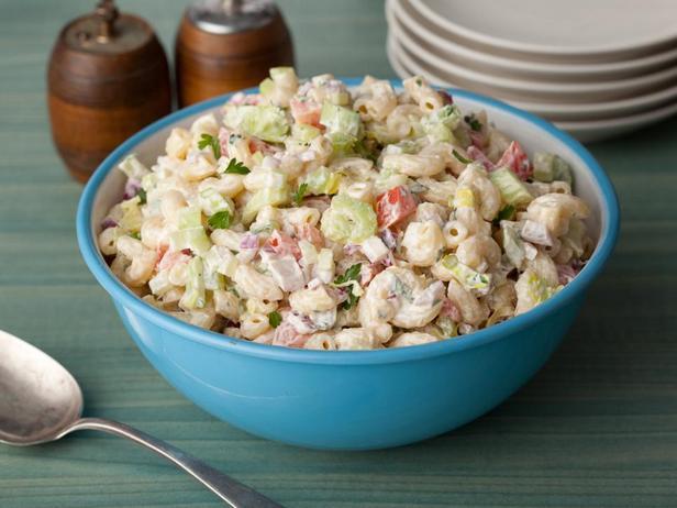 № 9: Американский салат с макаронами