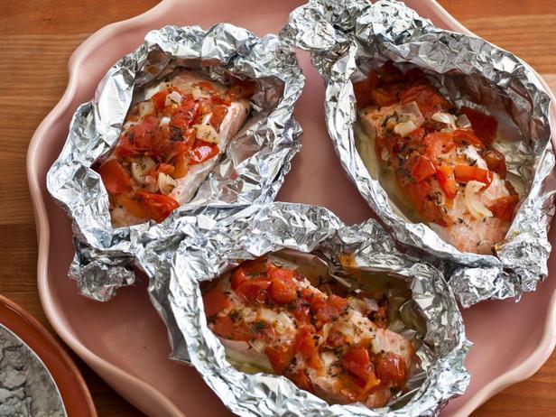 № 7: Лосось с томатами, запеченный в фольге
