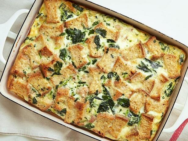 № 28: Запеканка со шпинатом и фаршем на завтрак