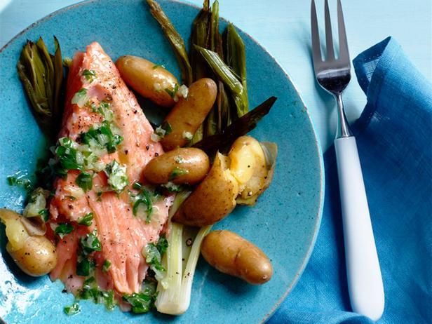 Фото Печёный в духовке лосось с картофелем