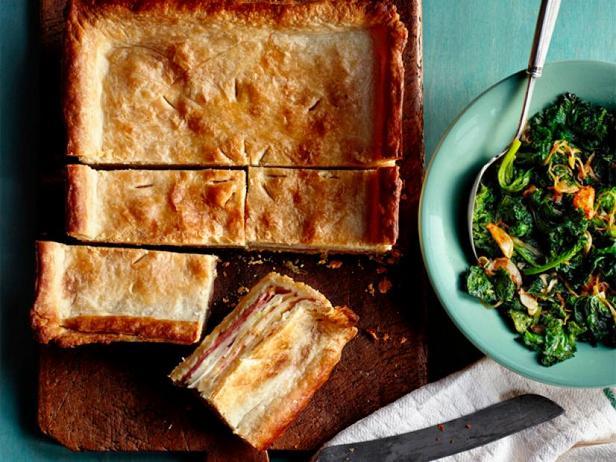 Фото Закрытый пирог с сыром и картофелем