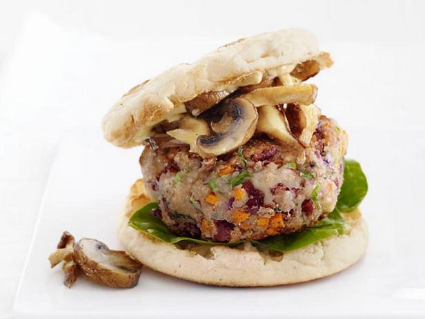 Фото Вегетарианские бургеры с грибами