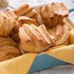 Слоистые масляные булочки