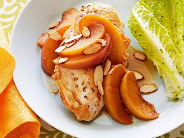 Жареная курица в терпком персиковом соусе