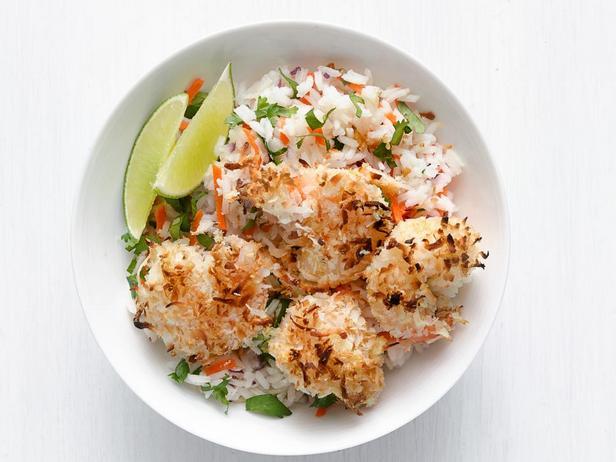 Креветки в кокосовой панировке с тропическим рисом