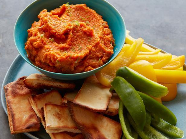 Фото Морковный дип-соус с приправой джерк