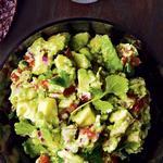 Гуакамоле с кусочками авокадо