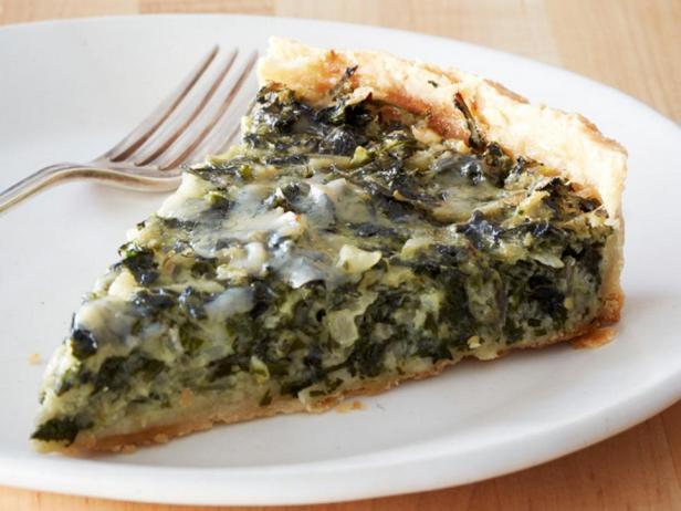 Тарт с начинкой из мангольда и зелени