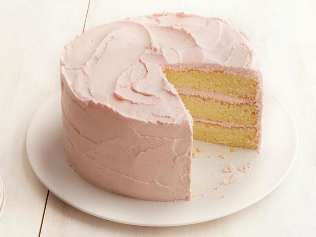 Торт из лимонного шифонового бисквита с клубничным кремом