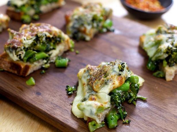 Фото Горячие бутерброды с брокколи