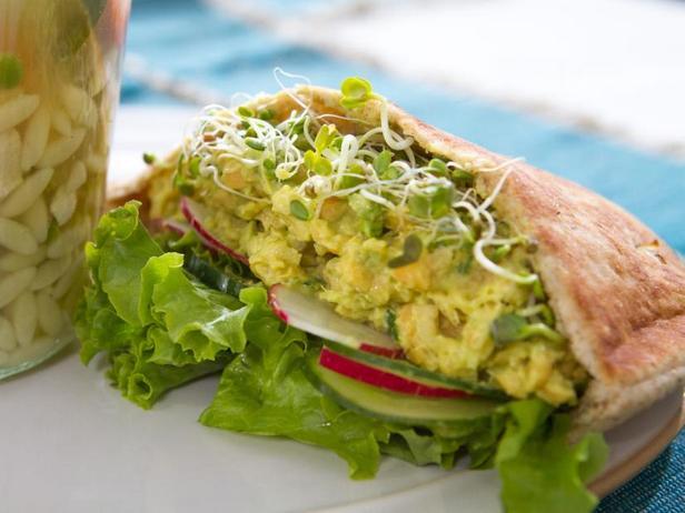 Фото Сэндвичи с салатом из нута