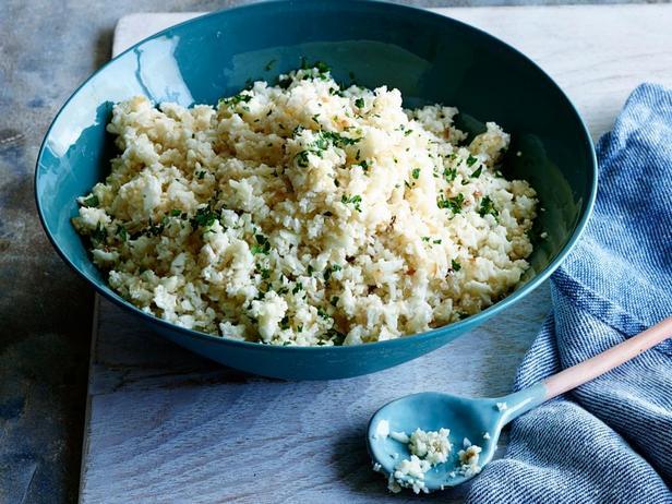 Низкоуглеводный рис-обманка из цветной капусты